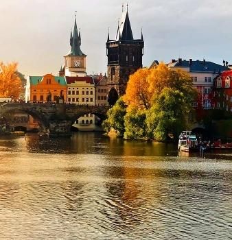 Прага – вълшебна и очарователна, със самолет и обслужване на български език!