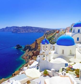 Самолетна екскурзия до остров Санторини с директен полет от София и четири нощувки